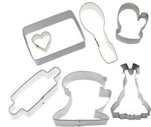 7-Piece-Baking-Cookie-Cutter-Set-Mixer-Rolling-Pin-Apron-Spoon