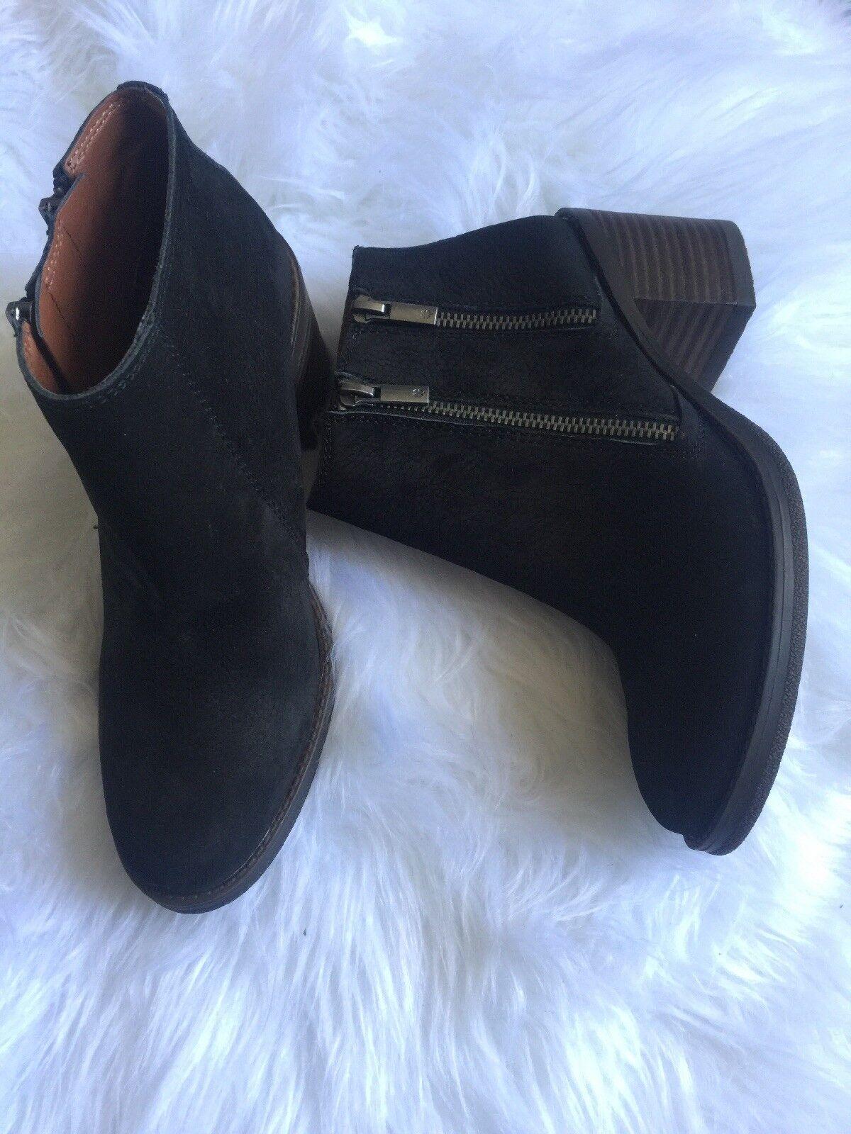 Lucky Brand Black Embossed Nubuck Booties 7.5M
