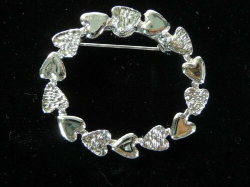 Vintage Gerry/'s Silver Tone Double Hearts Circle Pin 253