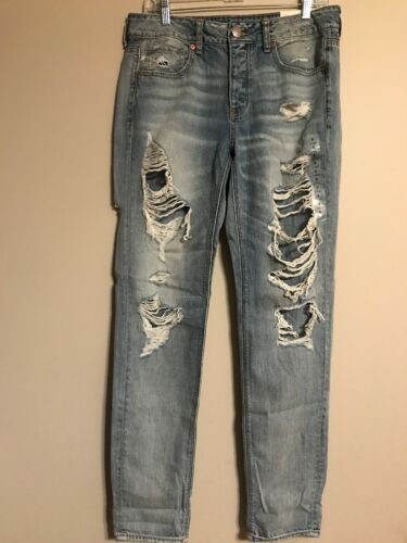 NWT AMERICAN EAGLE Tomgirl Jeans Sz 8 X-LONG Light Wash Ripped #805504
