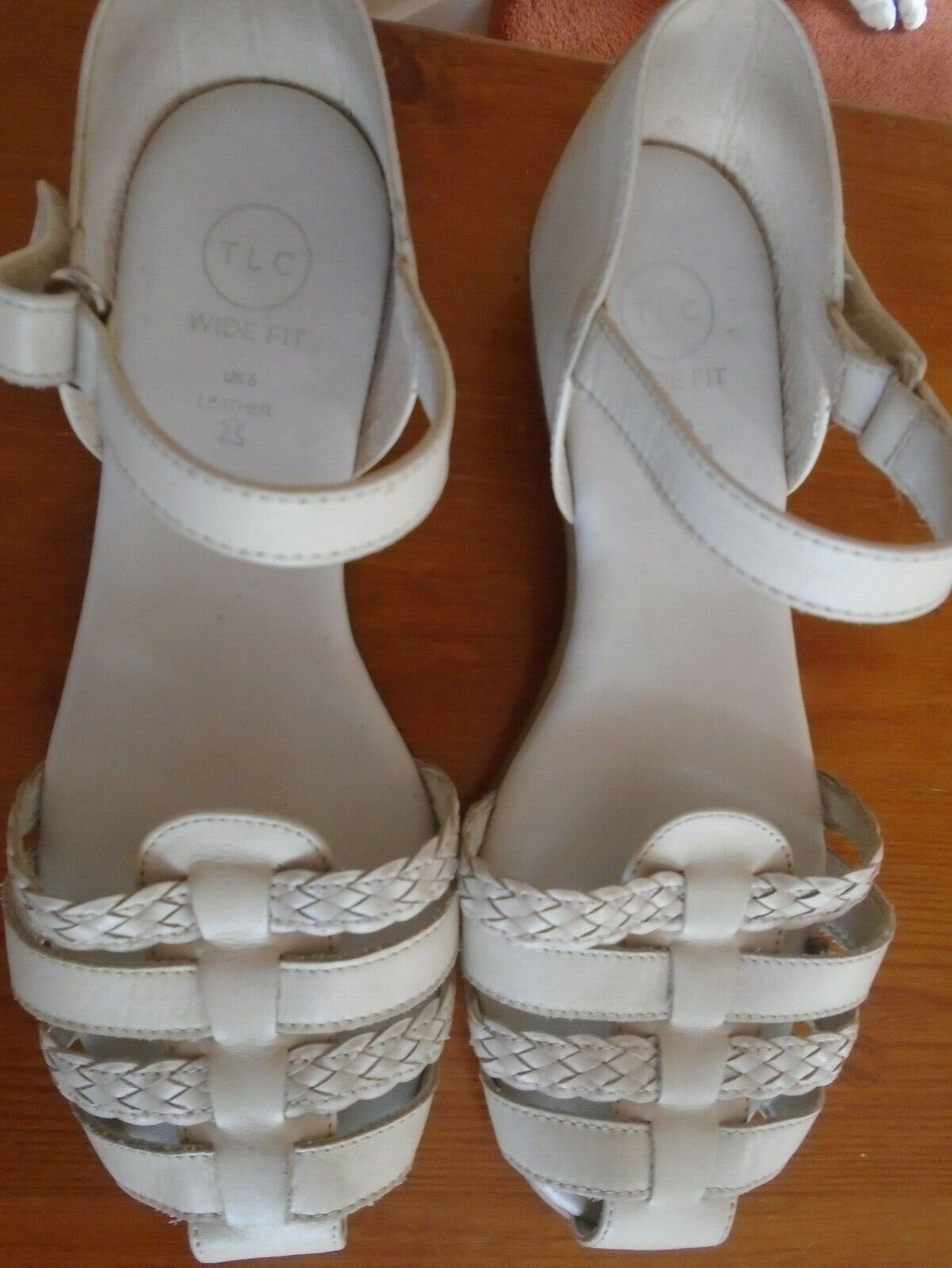 NEW SIZE 6 WIDE SHOES LEATHER CREAM SUMMER STYLE ADJUSTABE STRAP from TLC