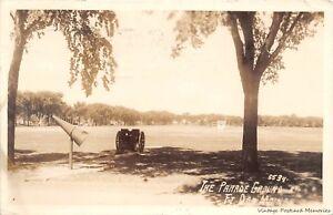 RPPC-DES-MOINES-IA-1943-Parade-Grounds-Ft-Des-Moines-VINTAGE-WW-II-ERA-GEM