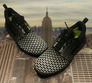 c3fc91e2245 Nike iD Flyknit Roshe One Black White Speckle Men s Size 6 Roshe Run ...