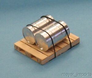 Pallet-w-2-Metal-Barrels-Bright-Plate-G-Scale-101-0018