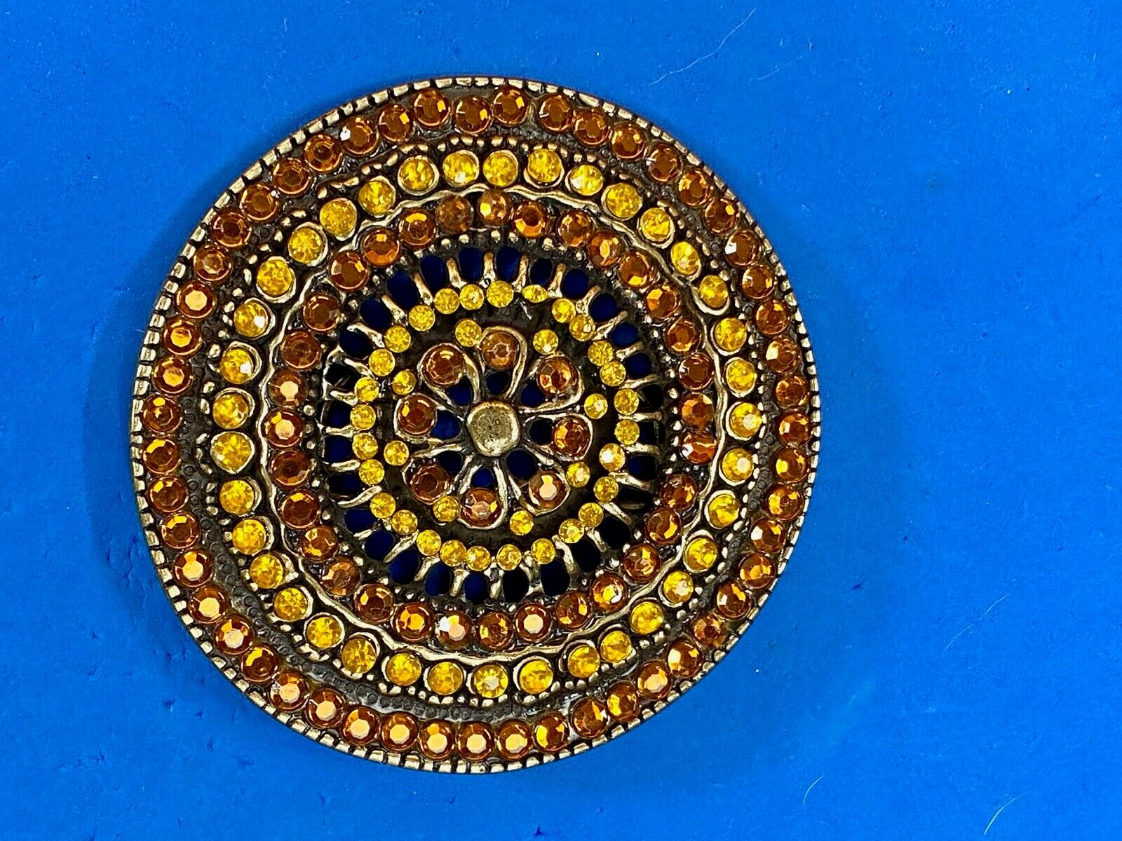 Brown Yellow Mixed Material wheel pattern circular rhinestone belt buckle