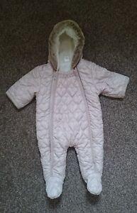 Next Baby pramsuit//Combinaison de ski Dinosaure 0-3,3-6,6-9,9-12,12-18,18-24 Mois BNWT
