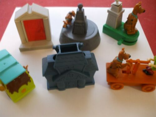 Set of 6 Hanna Barbera Scooby-Doo action Toys ; ages 3 due to small parts