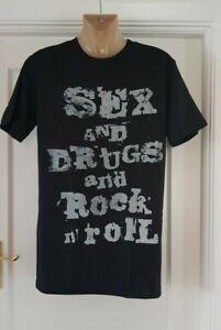 Herren-Stone-Rollin-Sex-amp-Drugs-amp-Rock-N-Roll-Slogan-T-Shirt