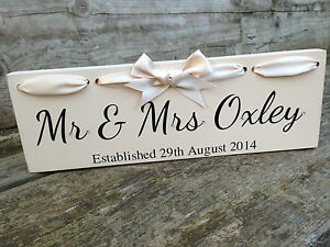 Personalised-Mr-amp-Mrs-dated-Freestanding-wedding-gift-Top-Table-Sign-Plaque