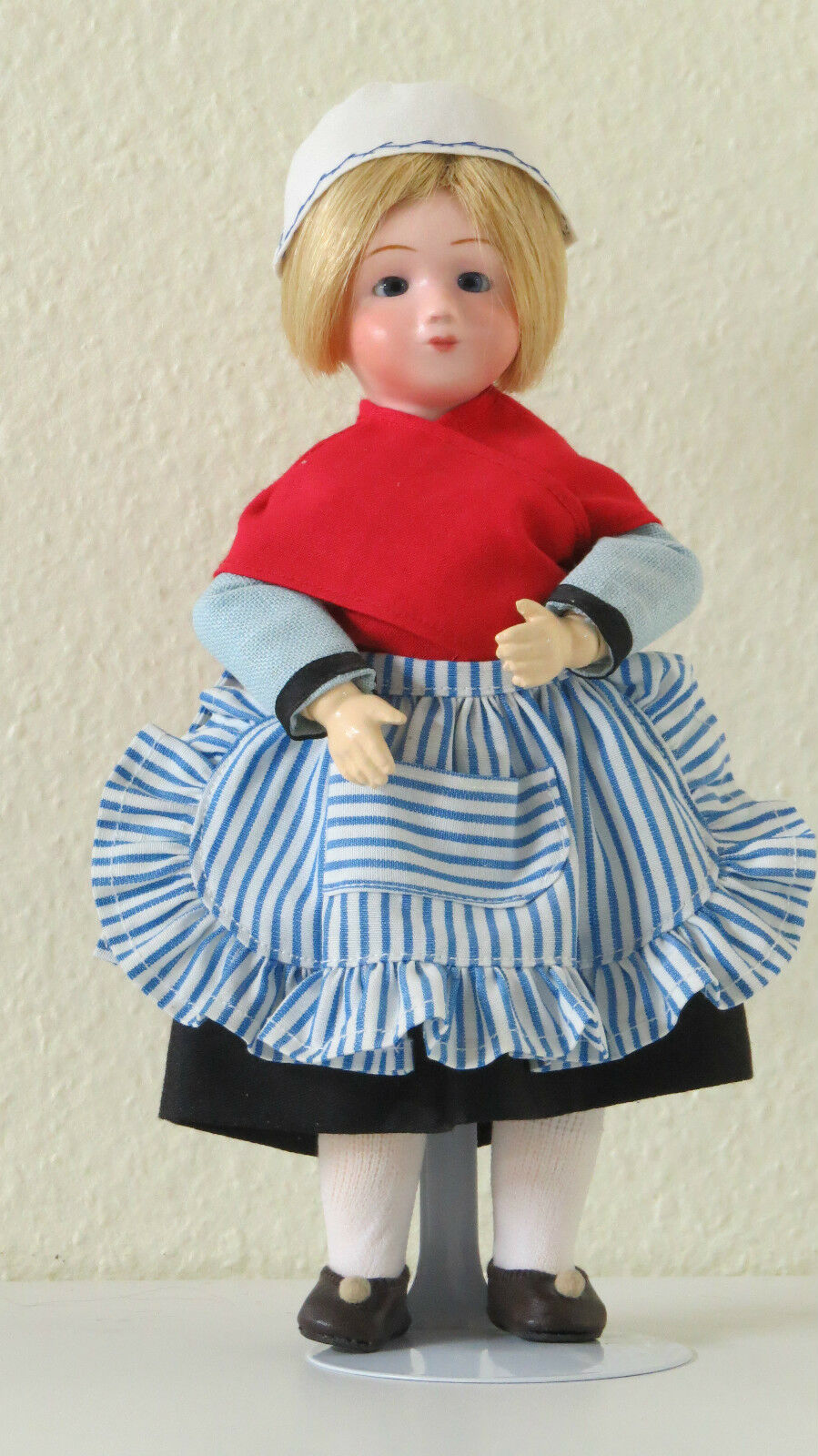 Marie QUILLOUCH  N  22      .    24 cm                  Poupée   creation   Doll