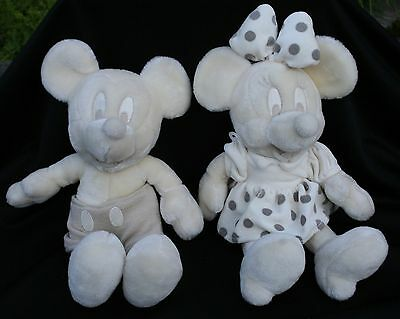 RARE Mickey Minnie Mouse Resort Parks White Walt Disney World Plush Ivory