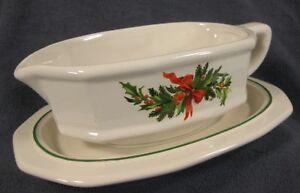 Pfaltzgraff-Christmas-Heritage-Gravy-Boat-with-Underplate-Stoneware