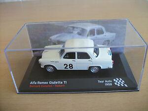 Alfa-Romeo-Giulietta-Bernard-Consten-Herbert-Rallye-Tour-Auto-1958