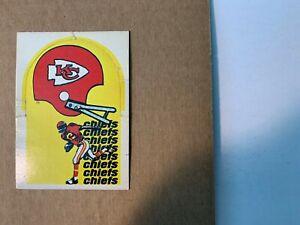 1976-Kansas-City-Chiefs-NFL-Sunbeam-Bread-Football-Helmet-Logo-Card-GOOD