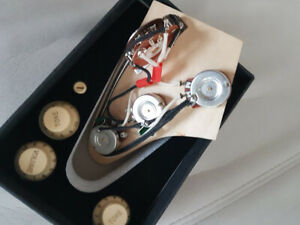KIT-STRATOCASTER-wiring-harness-pots-250k-knobs-cream-guitare-strat