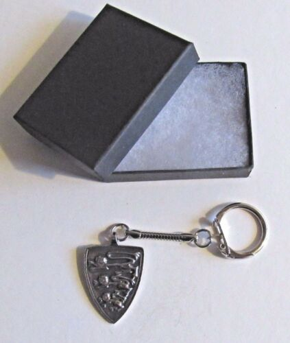 F KEYRING PEWTER HERALDRY ARMORIAL BEARINGS THREE LIONS SHIELD COAT OF ARMS