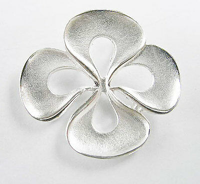 925 Sterling Silver Flower Pendant 25x28mm.