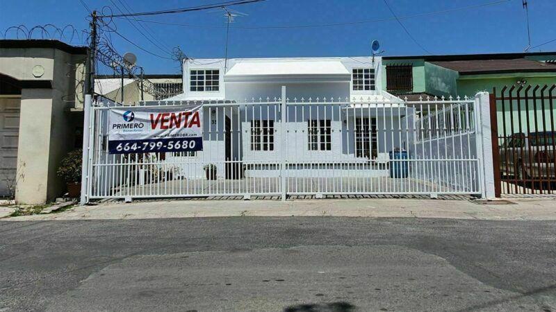 Se vende casa de 3 recámaras en Otay Universidad (Indeco Universidad) Tijuana