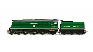Hornby-R3525-OO-gauge-BR-Battle-of-Britain-Class-4-6-2-21C159-BR-Malachite