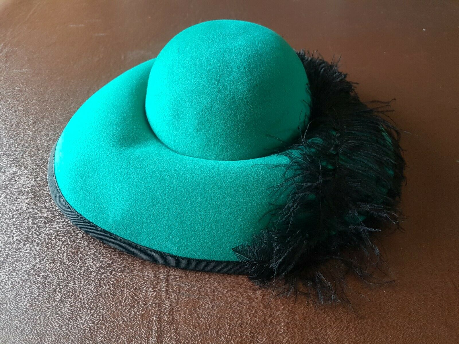 Ladies occasion hat - Ascot/Wedding/Formal - Green with Feather - Principles