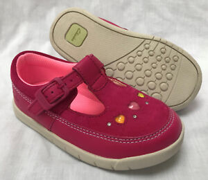 BNIB-Clarks-Girl-Crazy-Dot-Hot-Pink-T-Bar-Leather-Suede-First-Shoes-G-H-Fitting