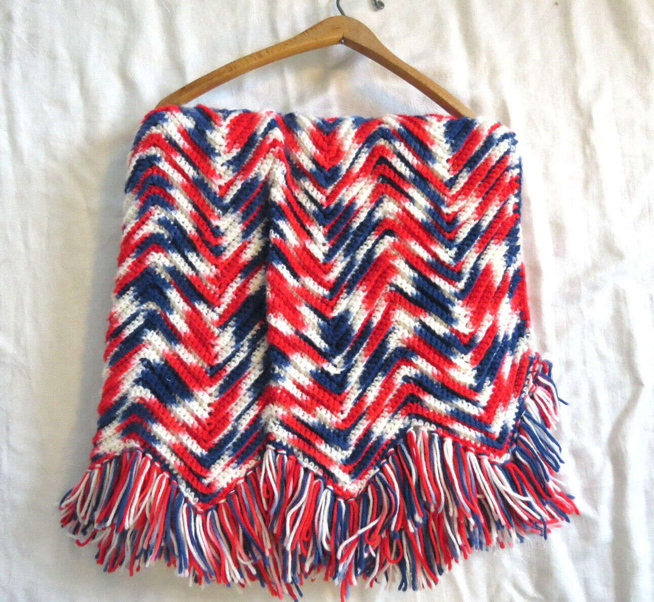 Red White & bluee Chevron BOMP POP Afghan Couch throw Blanket w Fringe Americana