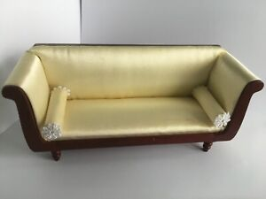 Sofa-mit-2-Nackenrollen