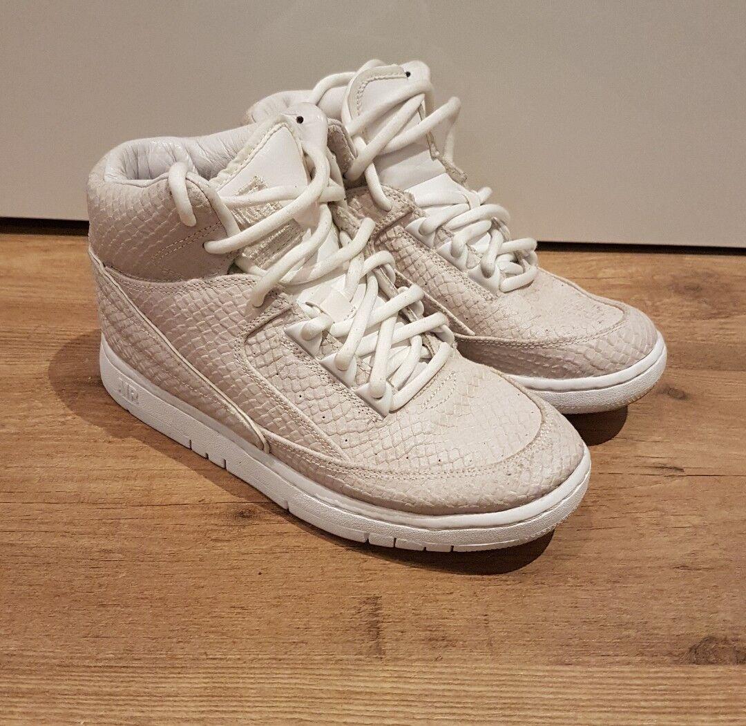 Nike Air PYTHON SP UK 4 5 (EUR e7.5) -   658394 100