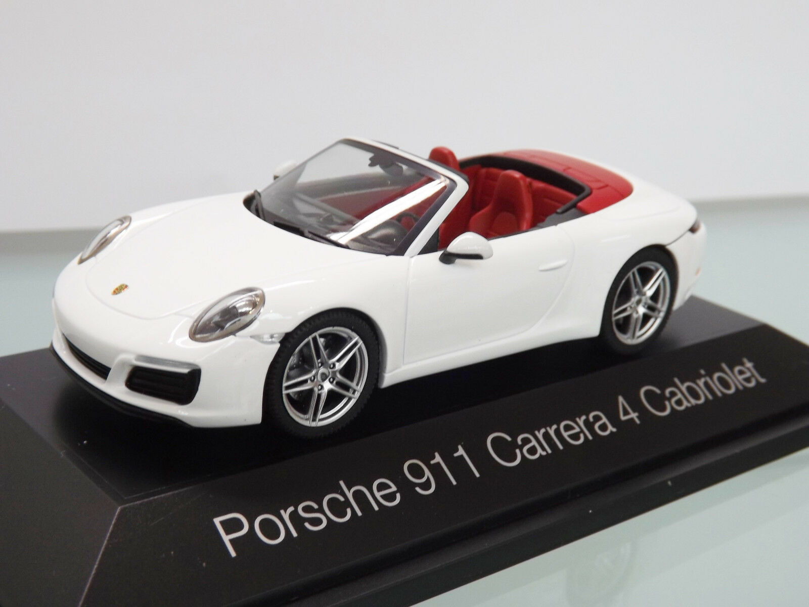 Herpa 071116 - 1 43 - Porsche 911 Carrera 4 Cabriolet, Carrara White Metal NEW