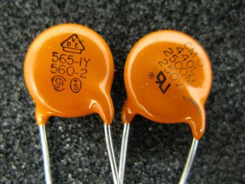 New Vishay 440LD25 2200pF 250V 20/% Y5U AC Line Rated Ceramic Disc Capacitor 10