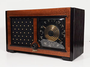 Old Antique Wood Zenith Vintage Tube Radio - Restored Working Art Deco Table Top