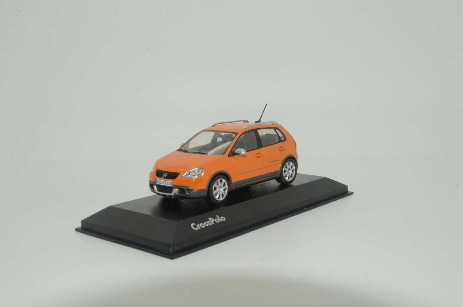 RARE    VW CrossPolo Polo 2006 orange Minichamps 1 43