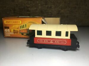Matchbox-Eisenbahn-Zug-Wagon-no-44-in-OVP-Passenger-Coach-UNBESPIELT-Railway