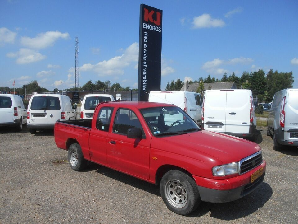 Mazda B2500 2,5 D Sportscab Diesel modelår 2003 Rød km 68000