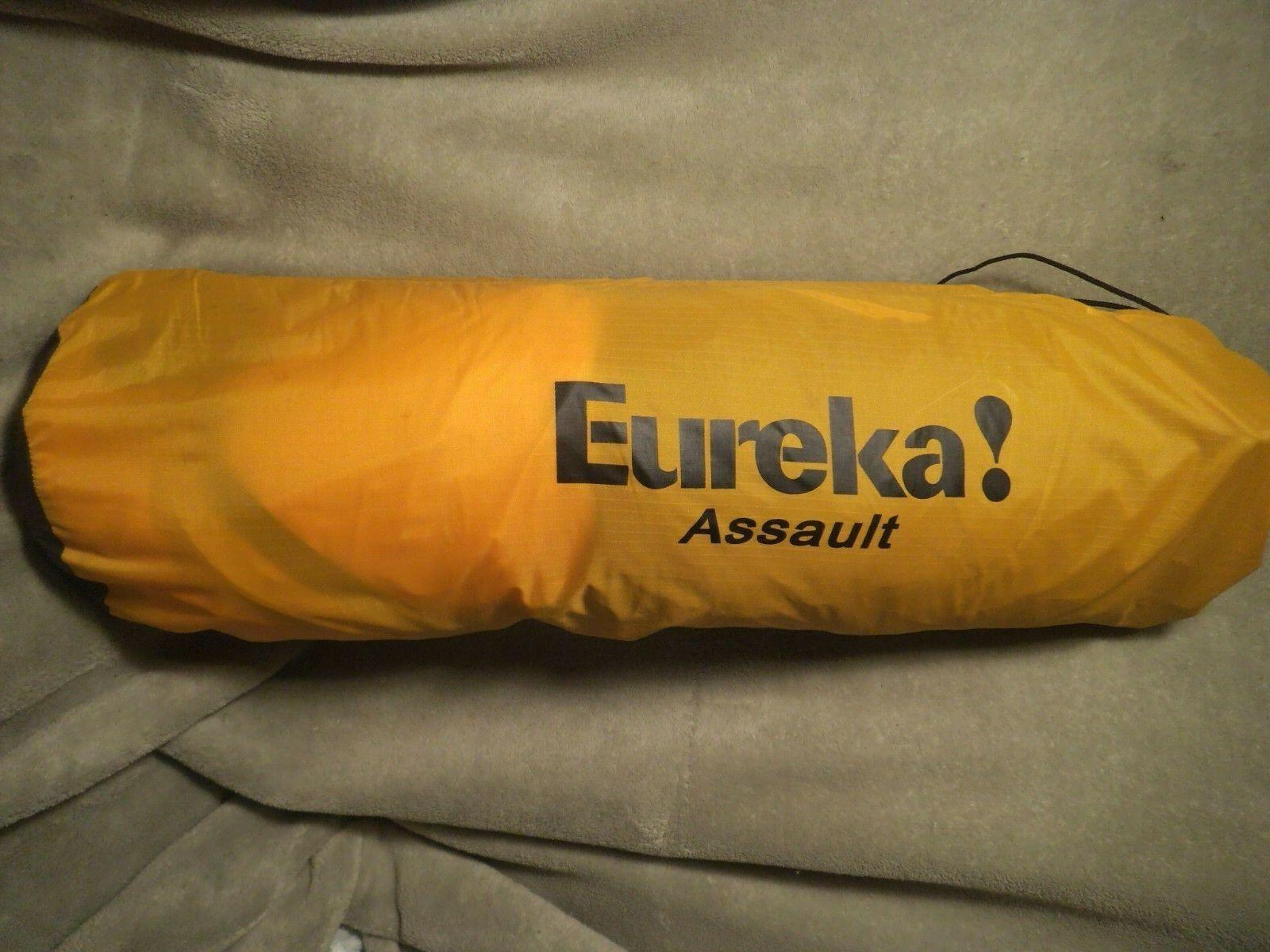 Eureka Assault Tent Dark Grün and Gelb  4 person