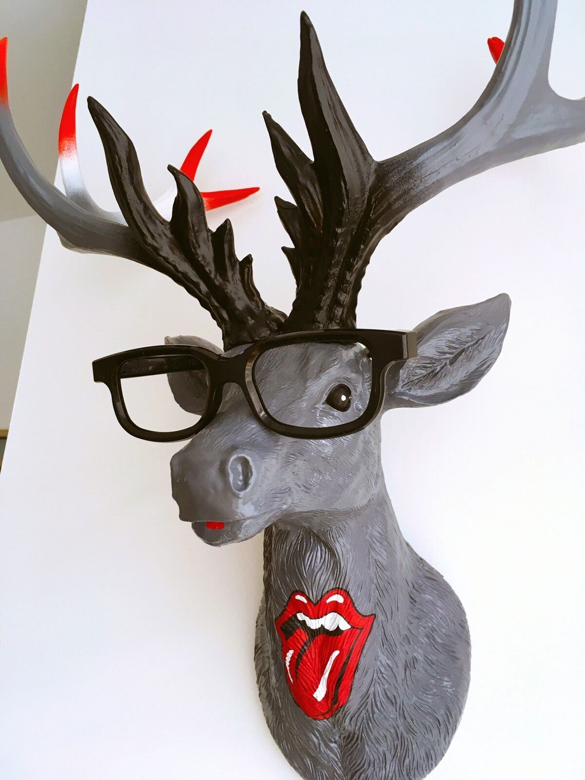 LARGE Unique decoration Stag Head Taxidermy Deer 'Rolling Stones'