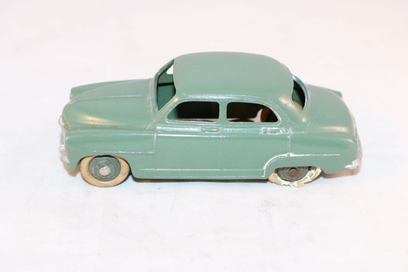 Dinky Toys 24U 24 U U U Simca Aronde French model in near mint condition b50f26