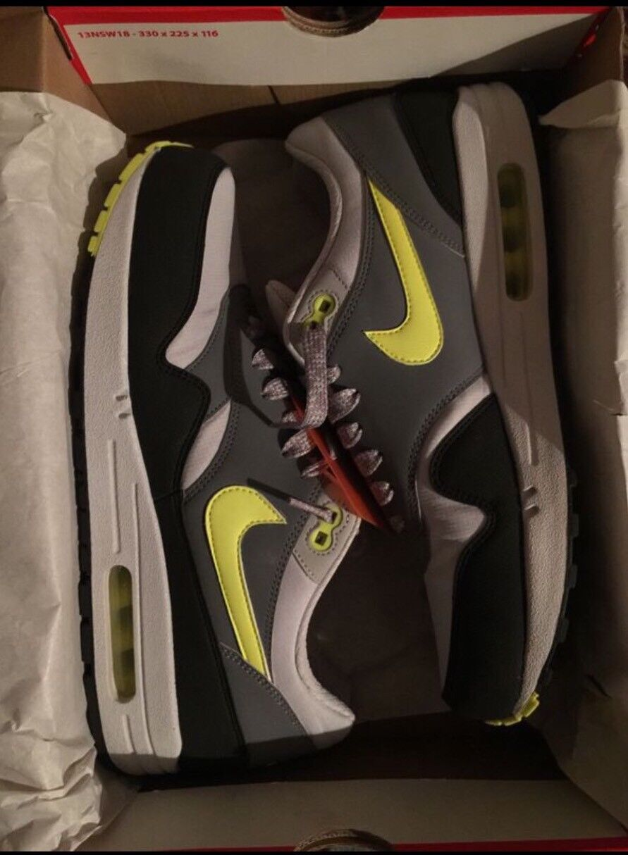 Air Max 1 Gray Lime Green Black Comfortable and good-looking