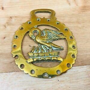 Vintage-Horse-Brass-Bird-Liverbird-Feeding-Chicks-in-Nest-Design