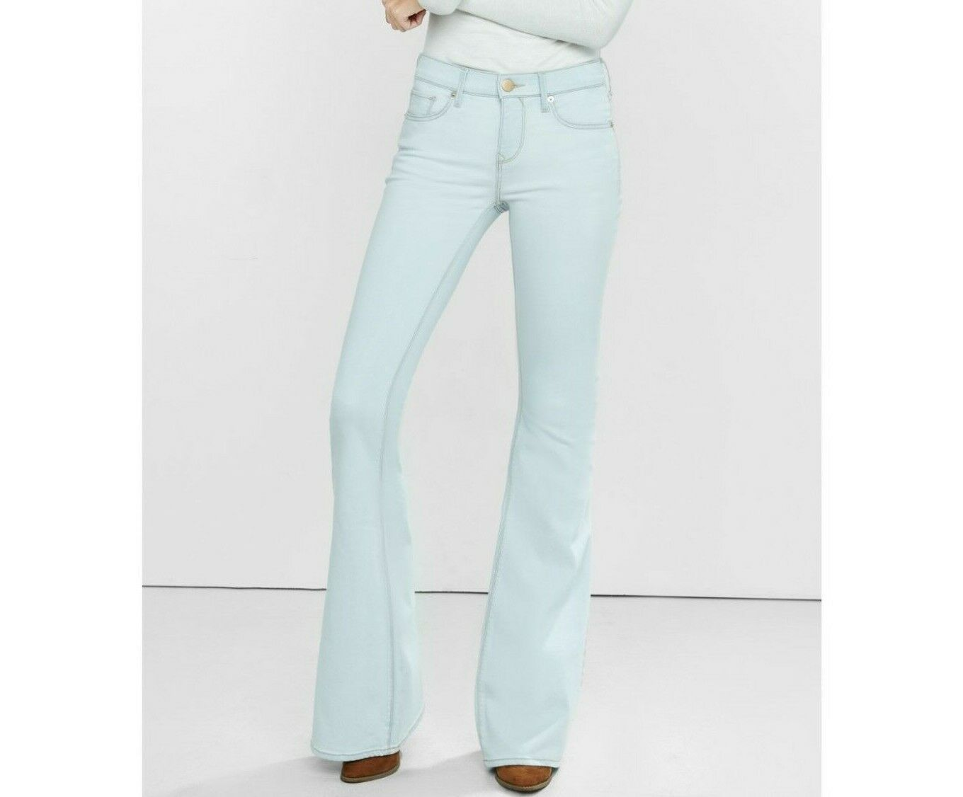 Express Bell Flare Mid Rise Light Wash Jeans sz 10 NEW Ret.