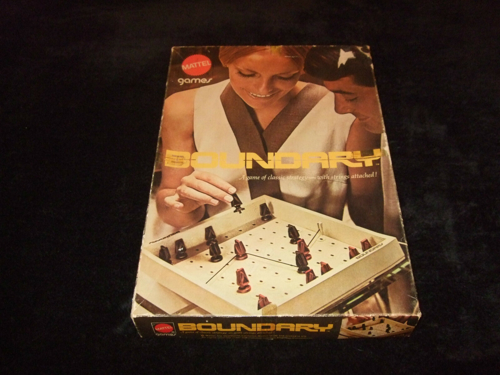 BOUNDARY-A VINTAGE 2 PLAYER STRATEGY GAME BY MATTEL GAMES