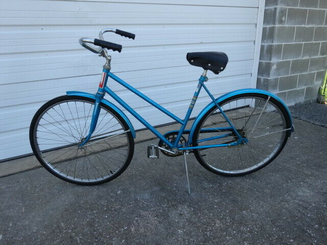 Vintage Retro 1960s Original Lady's AMF Roadmaster  26 in Bike Bicycle Cycling  hastened to see
