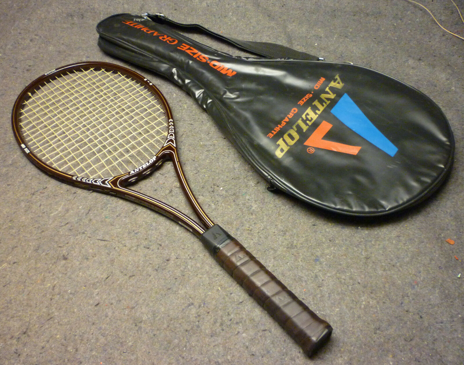 Antelope Mid-Size BgoldN Tennis Racquet lll 4 5 8 Grip with 2 Racquet Cover