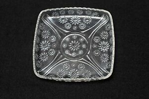 Square-Pressed-Embossed-Glass-Clear-Sandwich-Plate-Daisies-Scalloped-Vintage