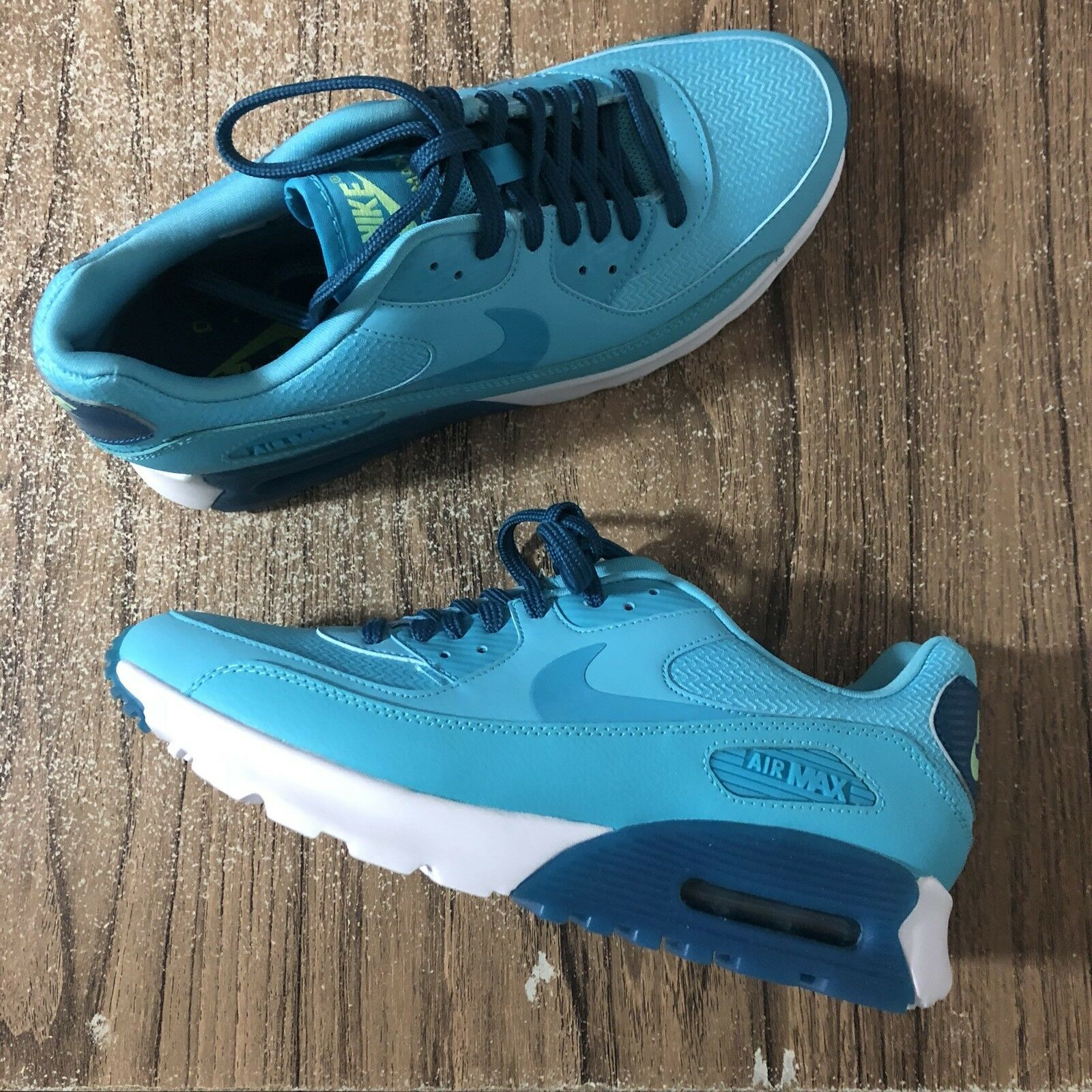 A874 Nike Air Max 90 Ultra Essential 724981-403 Women's Size Size Size 7 NEW 4da290