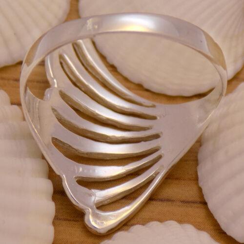 Vintage Massive Solid 925 Sterling Silver Beautiful Flower Leaf Wing Long Ring