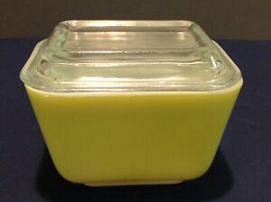 Vintage Pyrex Yellow Refrigerator Dish 501B 1-1/2 Cup w/ Lid 501-C