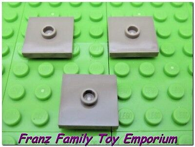New LEGO Lot of 4 Tan 2x2 Tiles with Center Stud