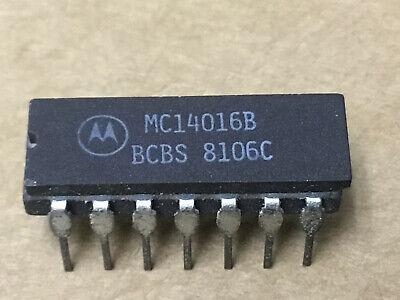 MOTOROLA MC1488L Quad RS-232C Line Driver 14-Pin Ceramic Dip Quantity-5
