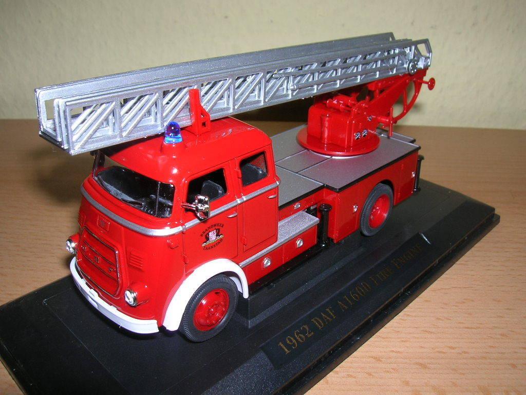 DAF A1600 Feuerwehr Zaanstad Leiterwagen rot 1962 1:43 Yat Ming Modellauto